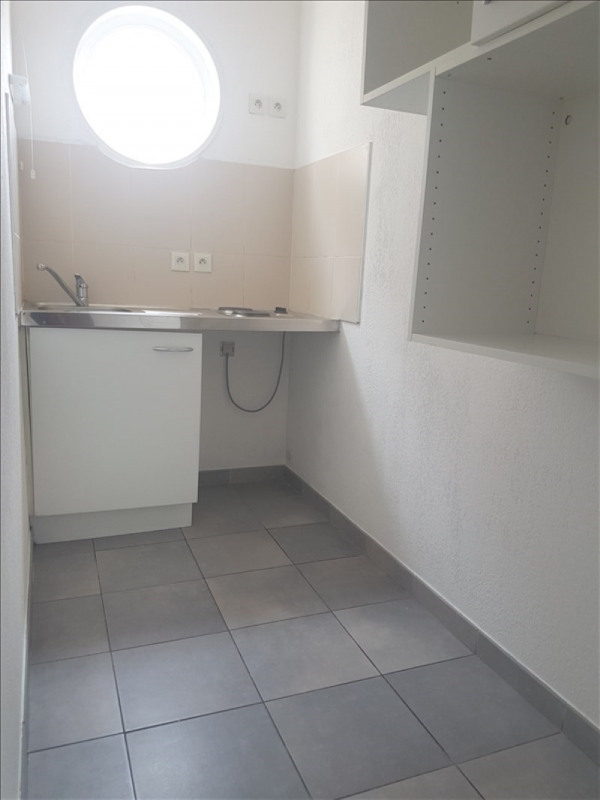 Rental apartment Toulon 432€ CC - Picture 4