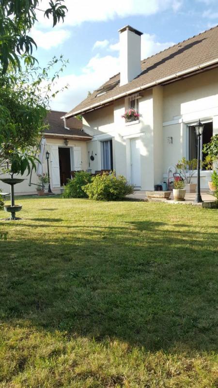 Sale house / villa Plailly 339000€ - Picture 2