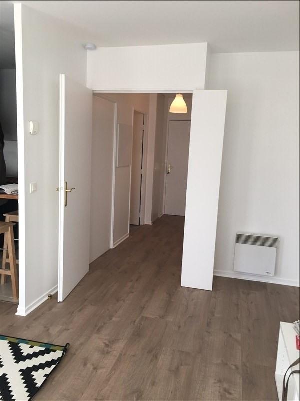 Rental apartment La plaine st denis 980€ CC - Picture 3