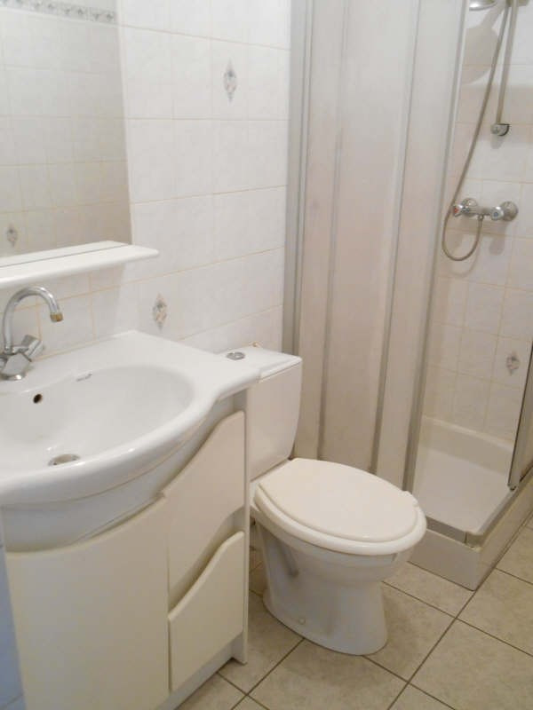 Location appartement Poissy 550€ CC - Photo 4
