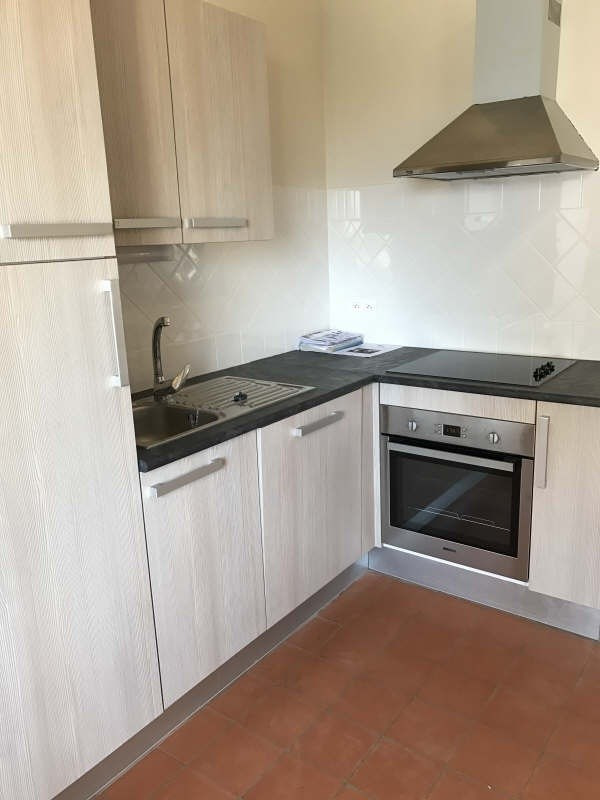 Location appartement Nimes 424€ CC - Photo 2