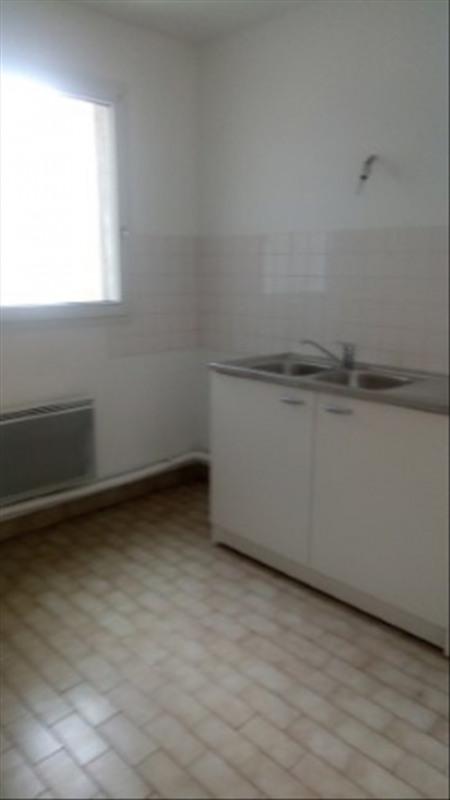 Rental apartment Paris 18ème 1490€ CC - Picture 2