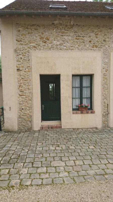 Location appartement Sonchamp 470€ CC - Photo 3