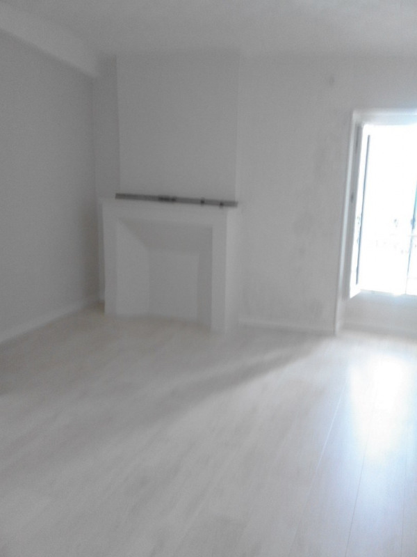 Rental apartment Barbezieux-saint-hilaire 470€ CC - Picture 3