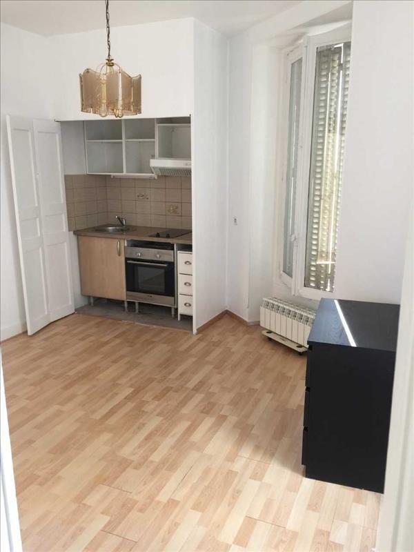 Locação apartamento Paris 18ème 1290€ CC - Fotografia 5