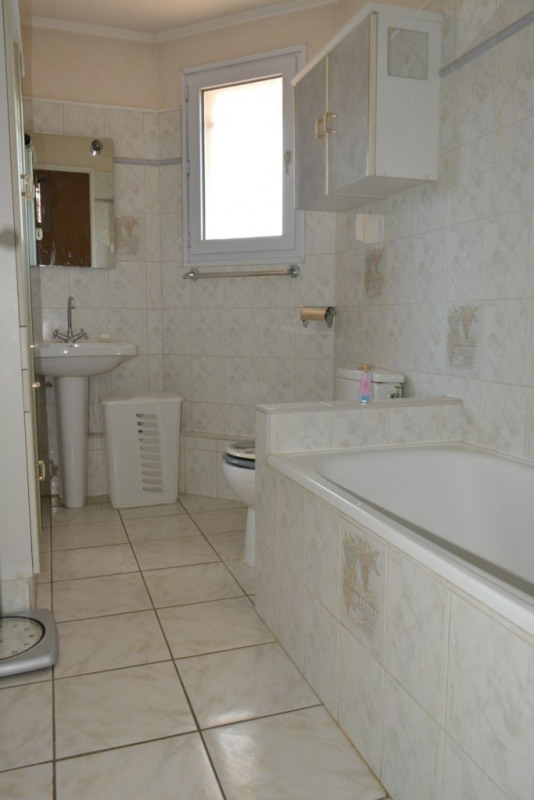 Vente maison / villa Givors 199 000€ - Photo 9