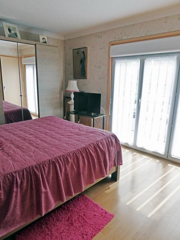 Sale house / villa Maurepas 366000€ - Picture 4