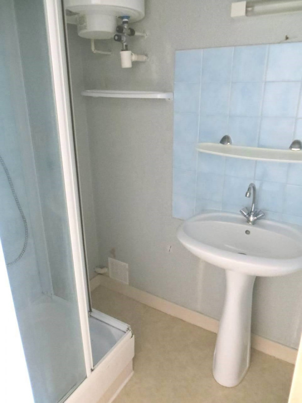 Location appartement Cognac 355€ CC - Photo 3
