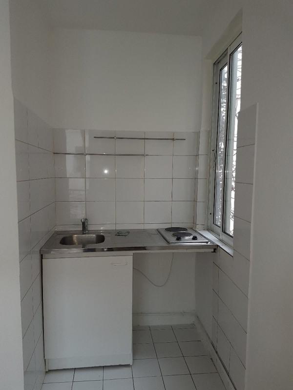 Rental apartment Paris 18ème 763€ CC - Picture 4