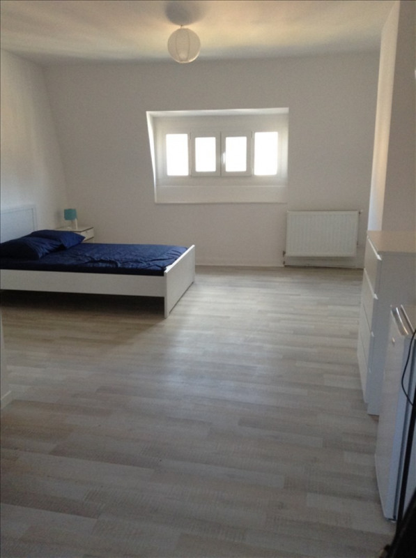 Rental apartment St quentin 380€ CC - Picture 4