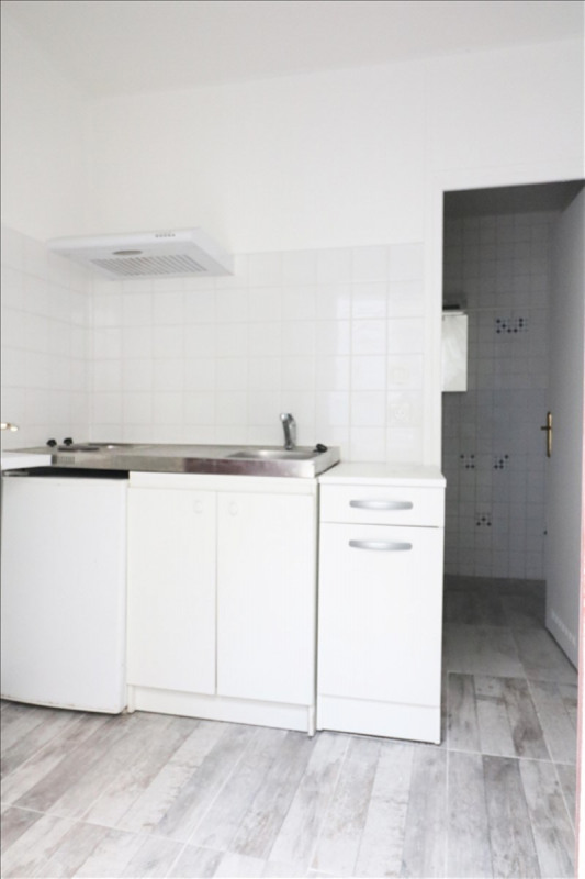 Rental apartment La plaine st denis 478€ CC - Picture 2