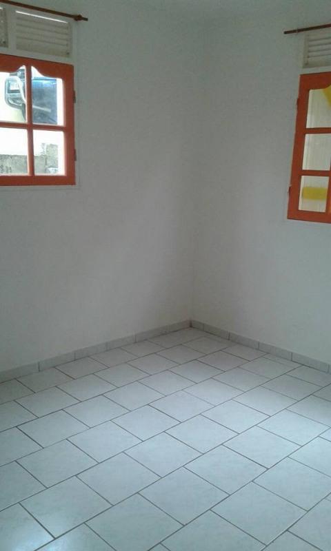 Rental apartment Baillif 800€ CC - Picture 6