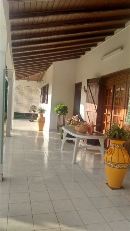 Sale house / villa St claude 337 600€ - Picture 8