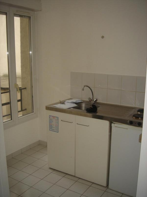 Rental apartment Paris 15ème 1075€ CC - Picture 4