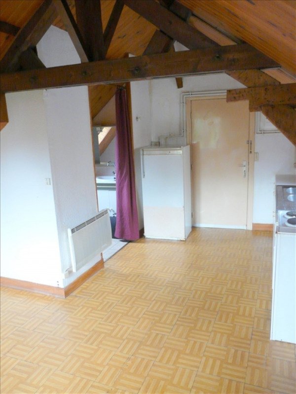 Rental apartment St omer 230€ CC - Picture 3
