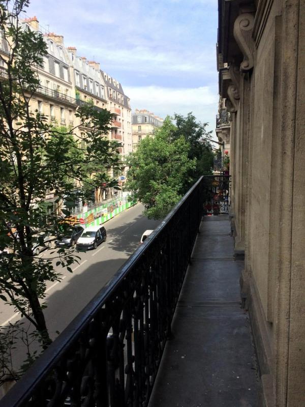 Rental apartment Paris 11ème 1800€ CC - Picture 1