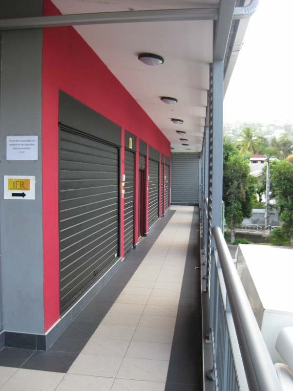 Location Local commercial L Etang Sale les Hauts 0