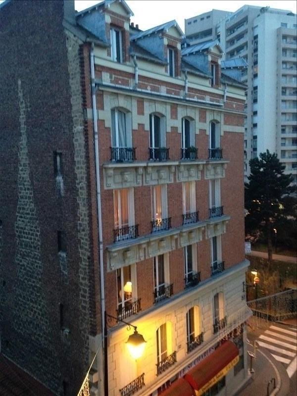 Locação apartamento Courbevoie 1115€ CC - Fotografia 2