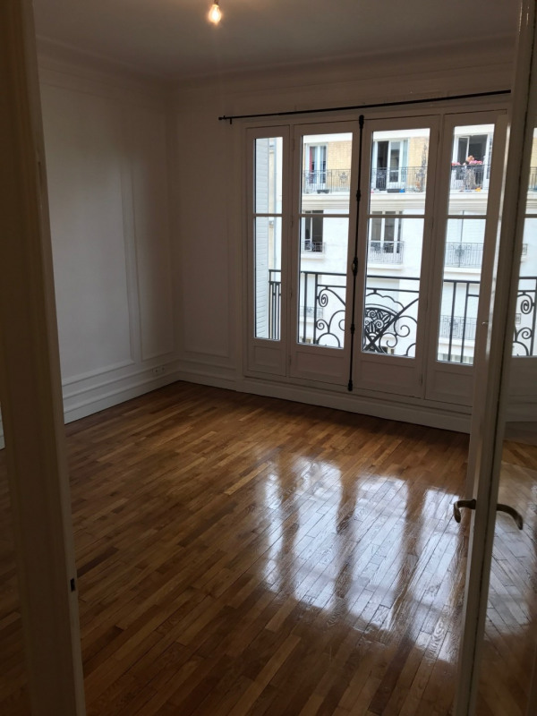 Rental apartment Paris 17ème 3 580€ CC - Picture 2