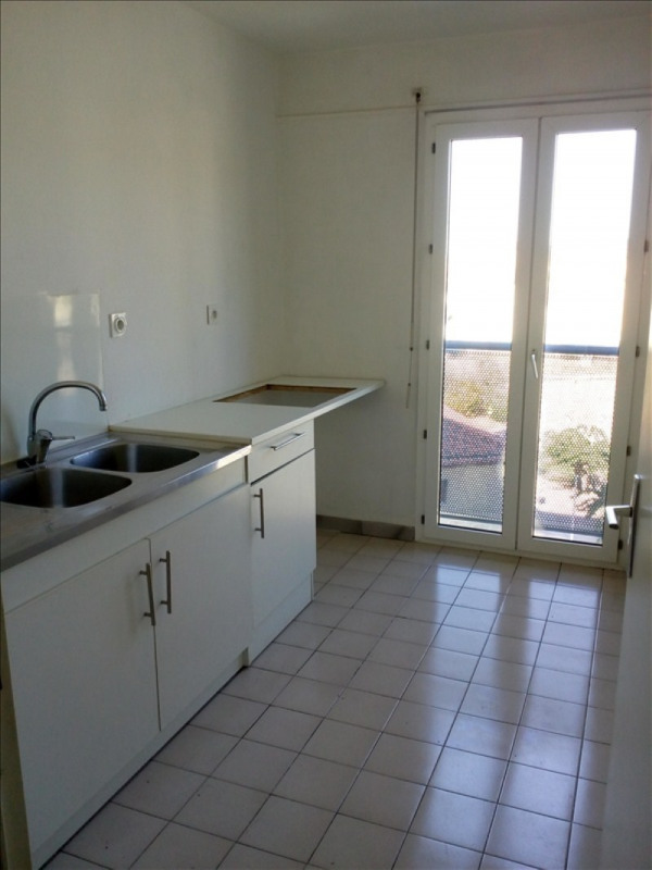 Sale apartment Toulon 107 000€ - Picture 3
