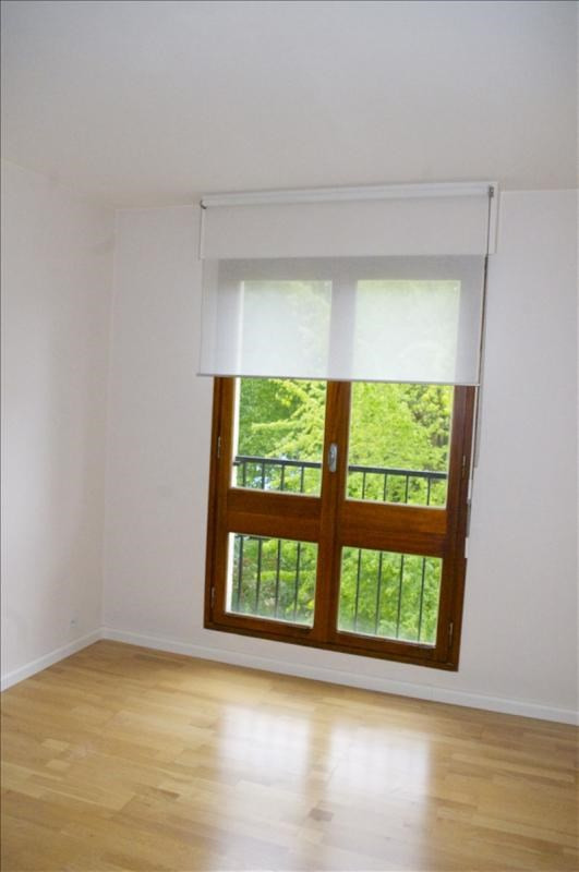 Rental apartment Le chesnay 698€ CC - Picture 5