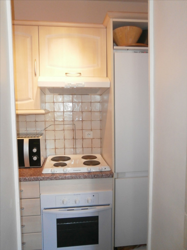 Rental apartment Fontainebleau 1 000€ CC - Picture 6