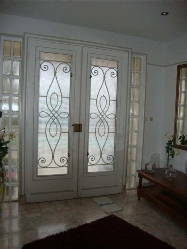 Sale house / villa Saint-jean-d'angély 298 000€ - Picture 3
