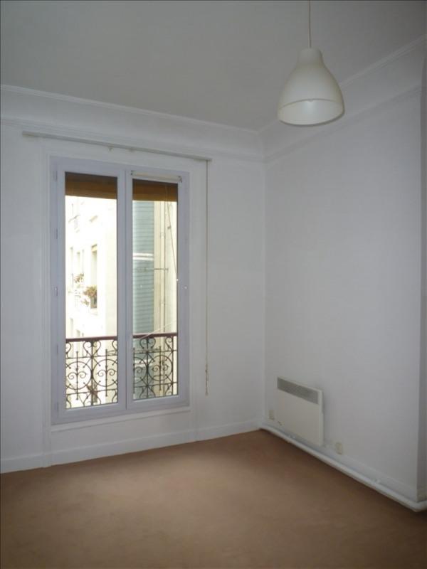 Rental apartment Paris 15ème 980€ CC - Picture 2