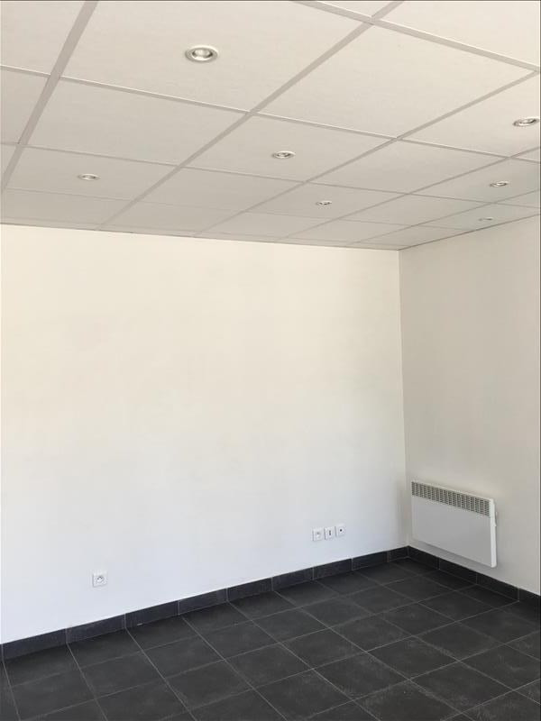 Location local commercial Ares 450€ HT/HC - Photo 1