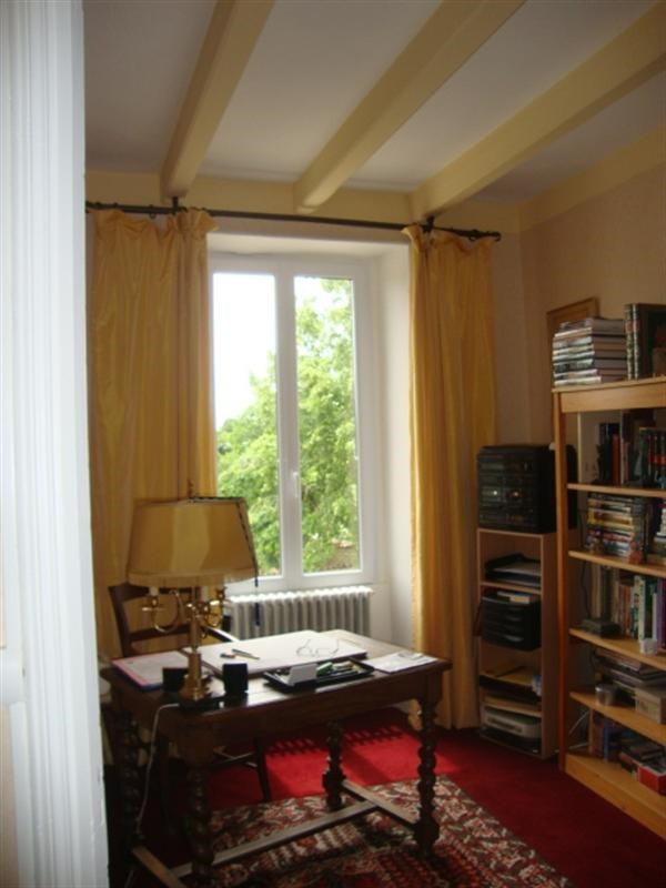 Sale house / villa Loulay 254400€ - Picture 10