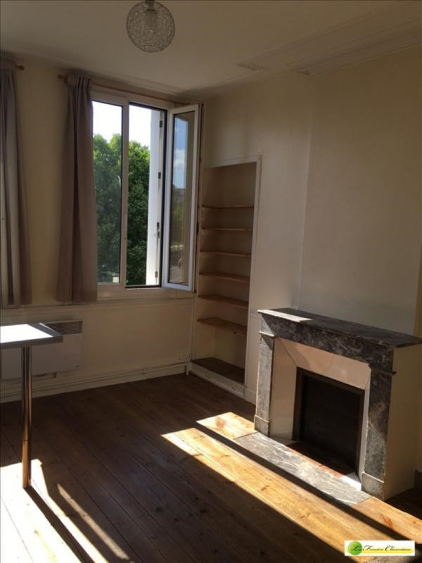 Location appartement Angouleme 325€ CC - Photo 2