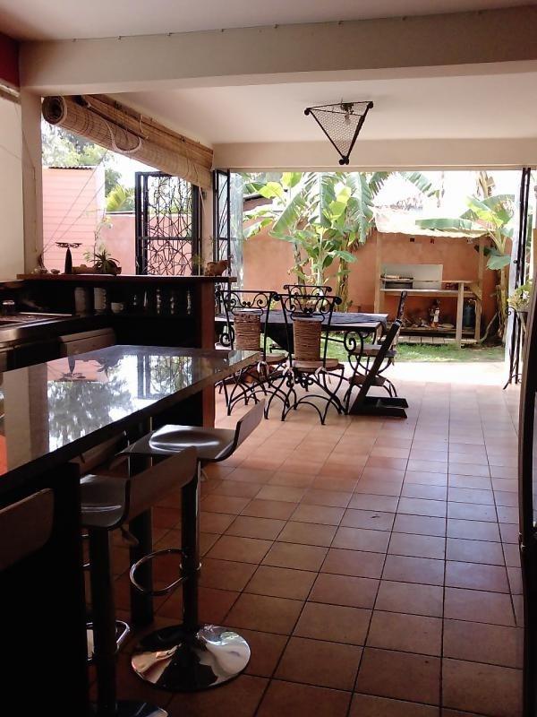 Deluxe sale house / villa St gilles les bains 850000€ - Picture 3