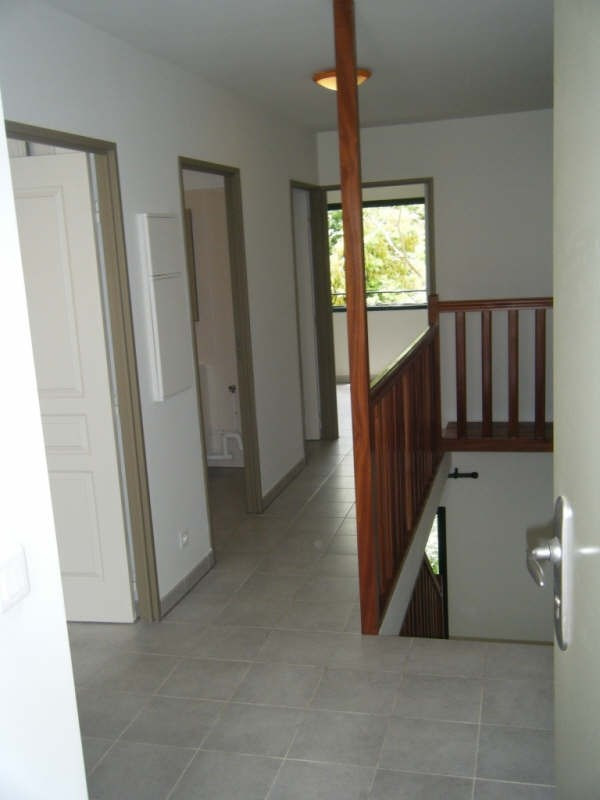 Location appartement Ravine des cabris 682€ CC - Photo 5