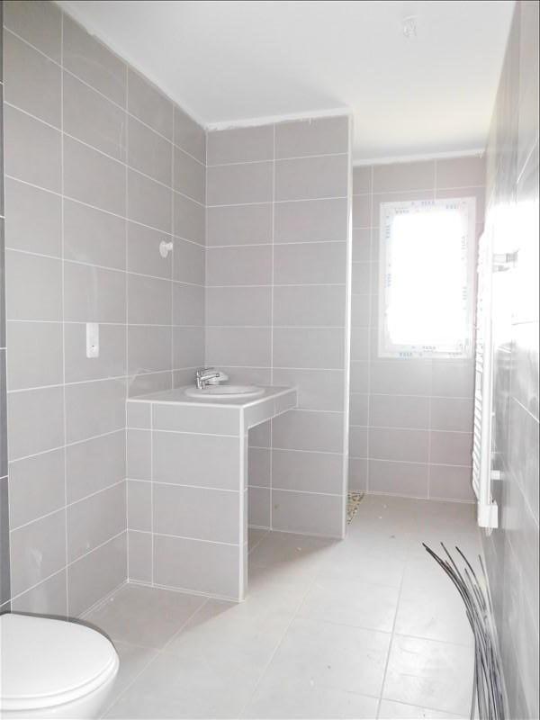 Rental house / villa St genes de fronsac 770€ CC - Picture 3