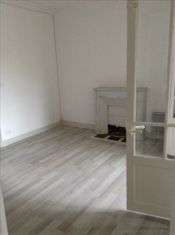 Rental apartment St quentin 720€ CC - Picture 3