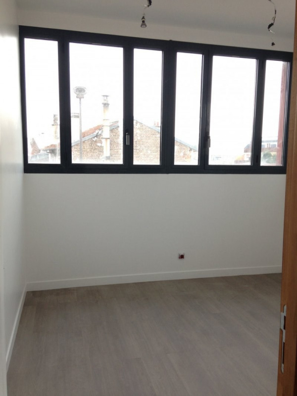 Rental apartment Montreuil 1 330€ CC - Picture 10
