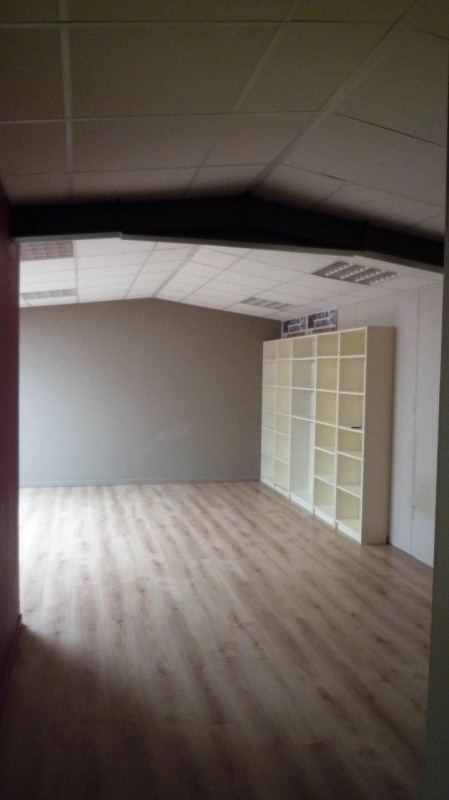 Location bureau Chavanod 615€ +CH/ HT - Photo 10