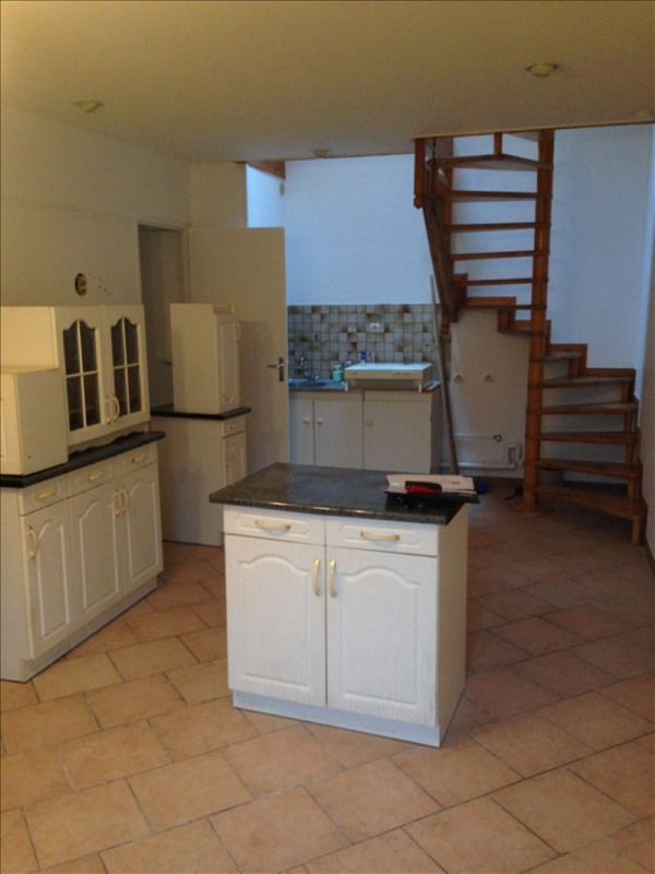 Rental house / villa St quentin 490€ CC - Picture 1