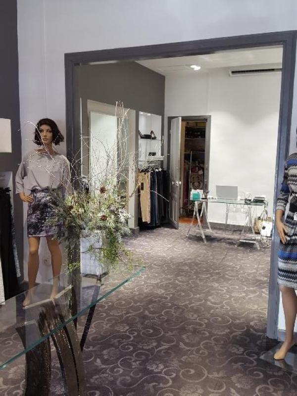Commercial property sale shop St denis 80000€ - Picture 1