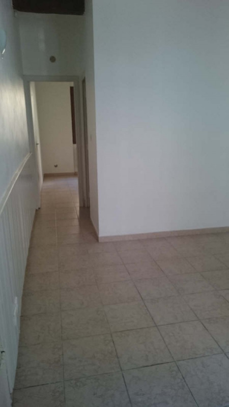 Rental apartment Nimes 385€ CC - Picture 9