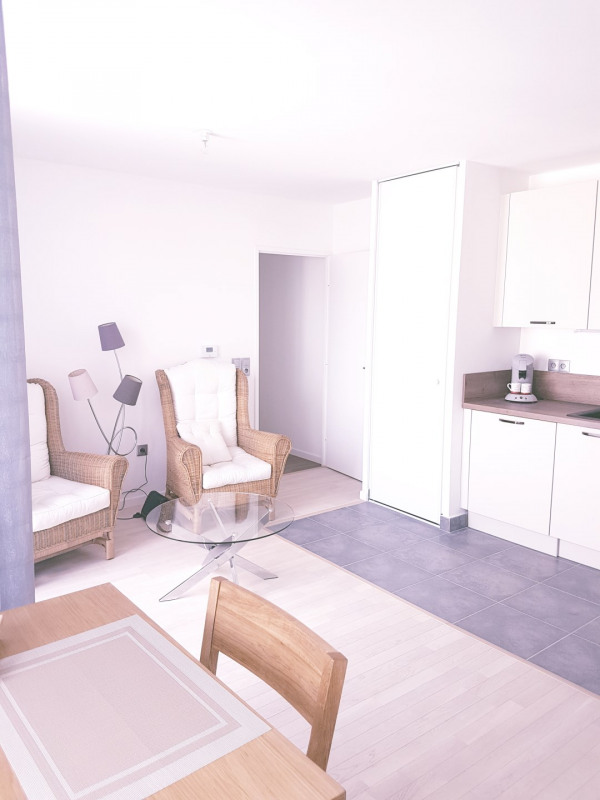 Location appartement Le pré-saint-gervais 940€ CC - Photo 2