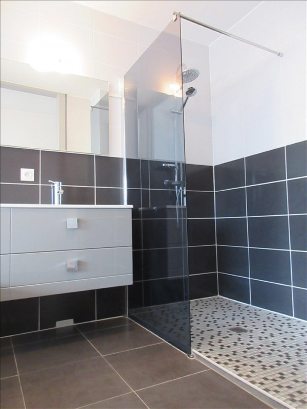 Location appartement Voiron 590€ CC - Photo 5