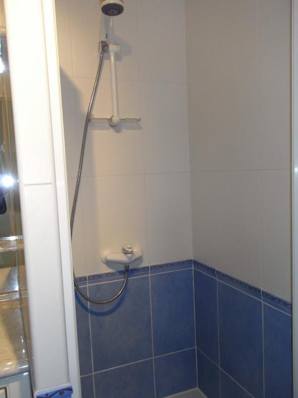 Rental apartment Irigny 724€ CC - Picture 6