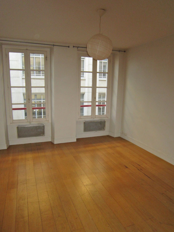 Location appartement Paris 6ème 950€ CC - Photo 3