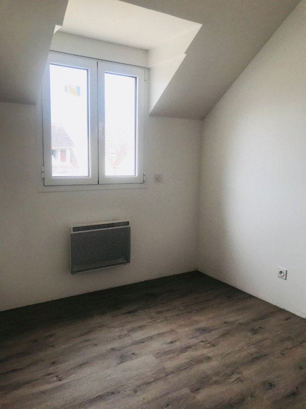 Location maison / villa La ville du bois 1 190€ CC - Photo 4