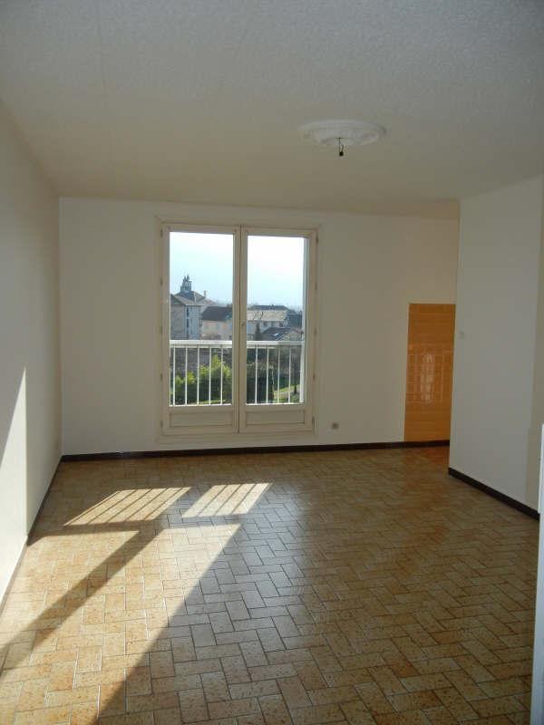Location appartement Moirans 628€ CC - Photo 1