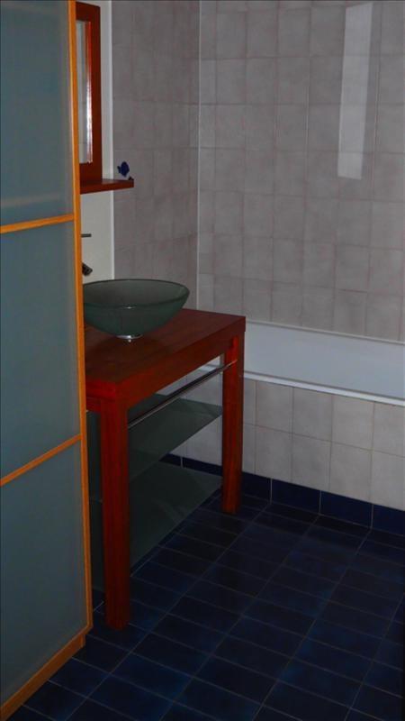 Location appartement Courbevoie 921€ CC - Photo 4