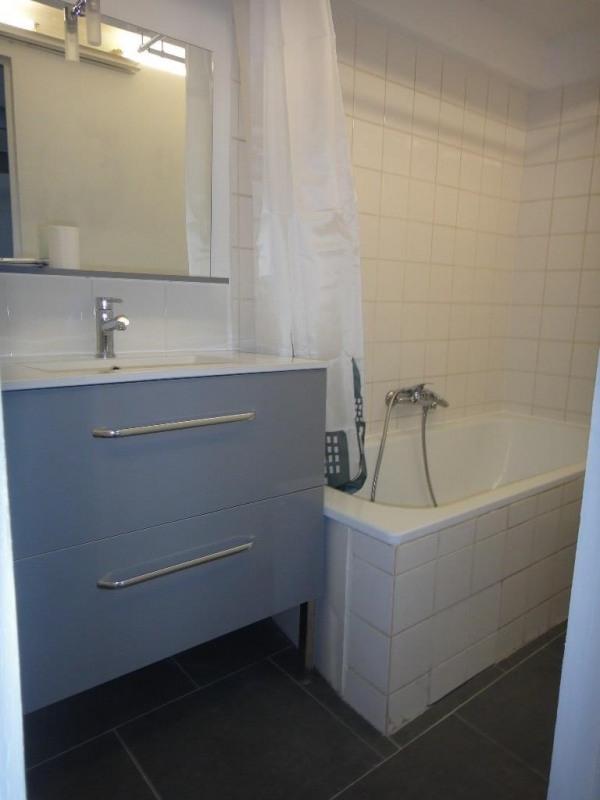 Location appartement Saint-mitre-les-remparts 530€ CC - Photo 3