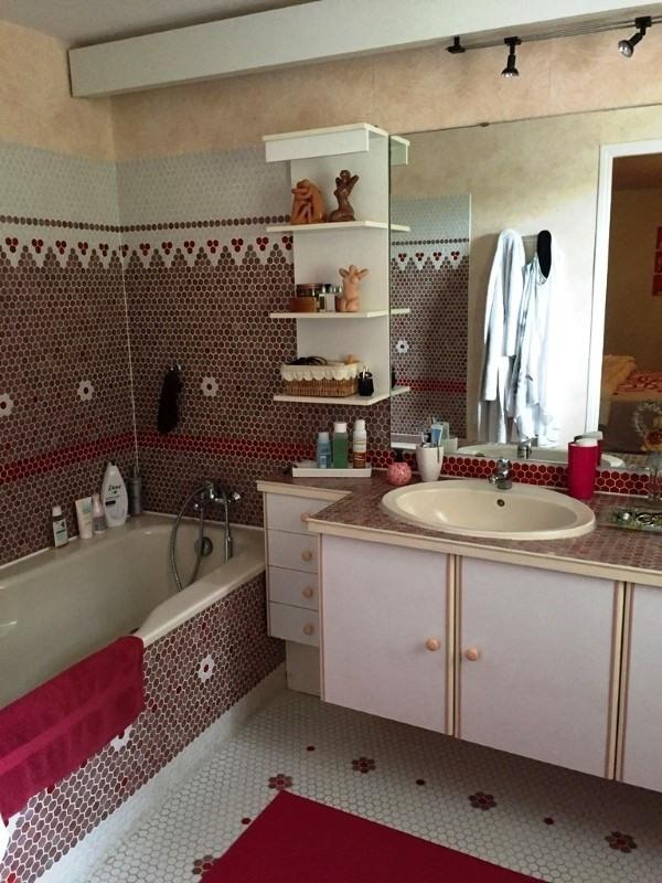 Sale house / villa Limitrophe cognac 299600€ - Picture 10