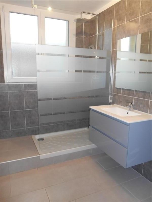 Rental apartment Sainte savine 620€ CC - Picture 6